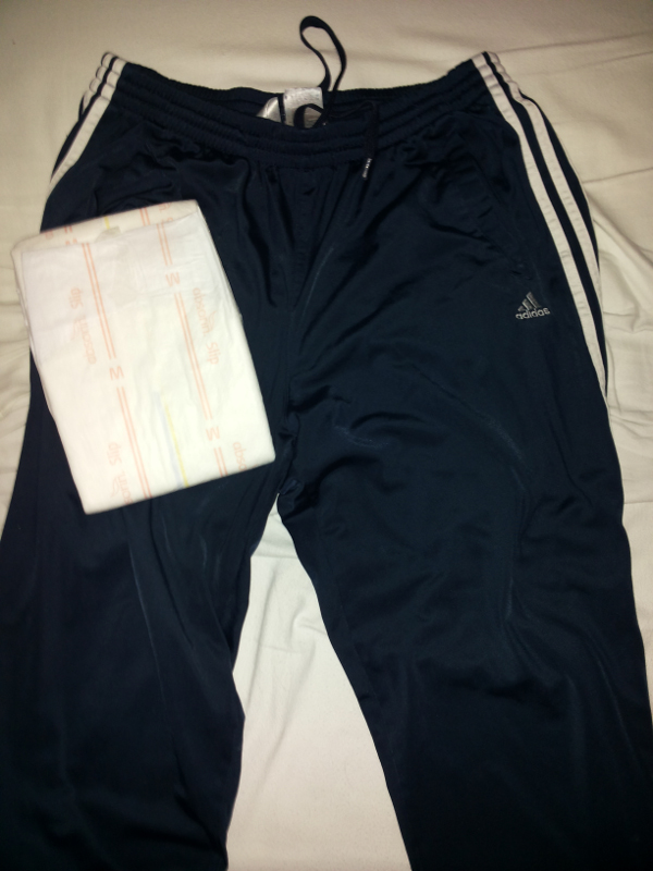 Joggingbroek over een luier dragen in bed